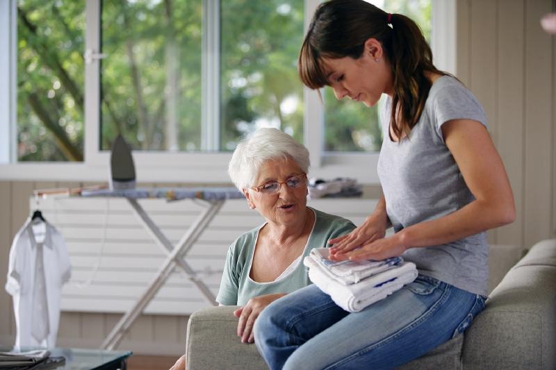Aide domicile laval service la personne aid 39 a dom for Aide personnes agees maison retraite